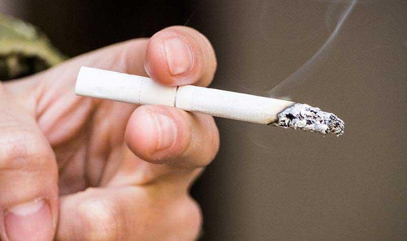 سالی 60 هزار نفر به دلیل سیگار می میرند